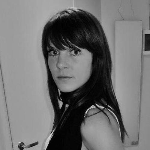 Hellika Hollo's avatar