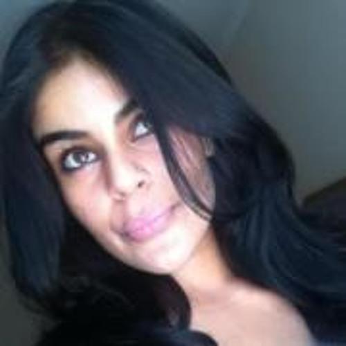 pinky kaur's avatar