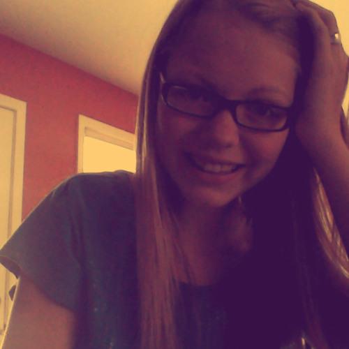 Emma15<3's avatar