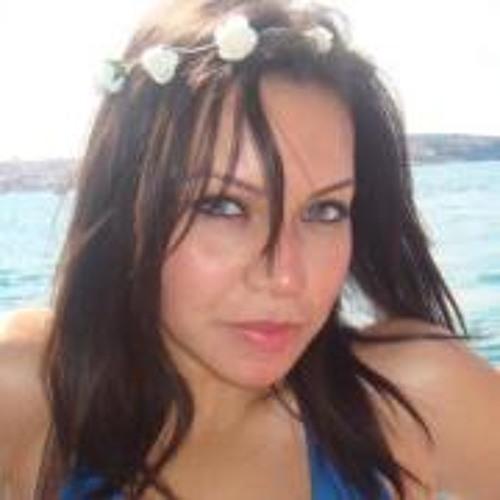 Mai El Gharably's avatar