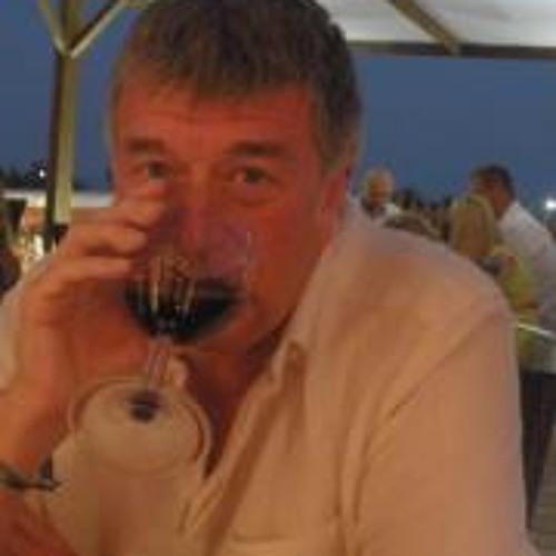 Alan Mackie 4's avatar