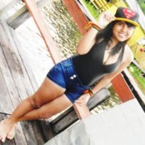 Aline Monteiiro L's avatar