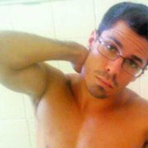 Vitor Merelim's avatar