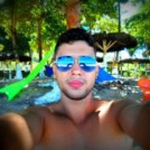 Victor De Paula Gil's avatar