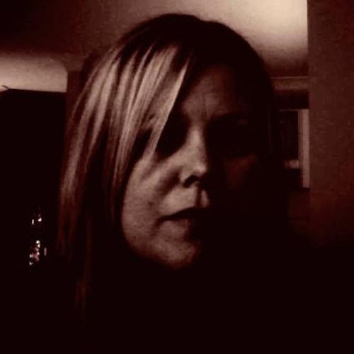 Fiona Esterman's avatar