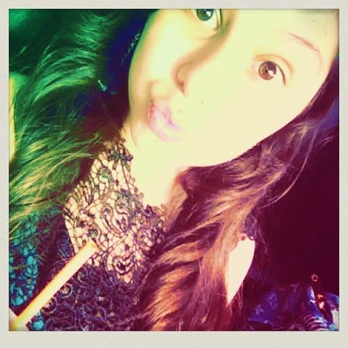 julianaaa_moraless's avatar