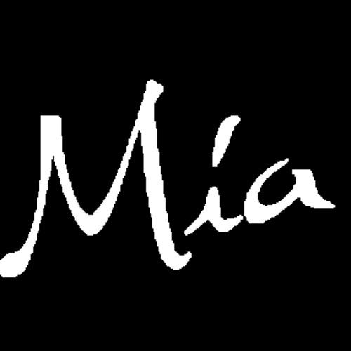 Mia Amalia's avatar