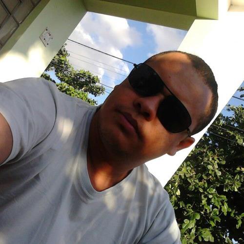 Ray Macunayma's avatar