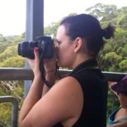 Renee Chapman's avatar