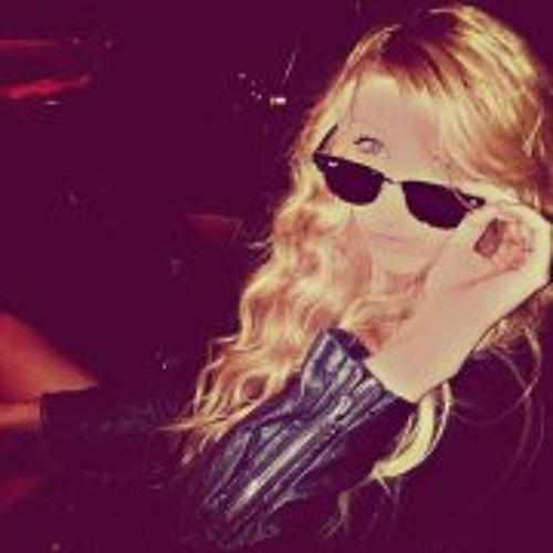 Ana Creglia's avatar