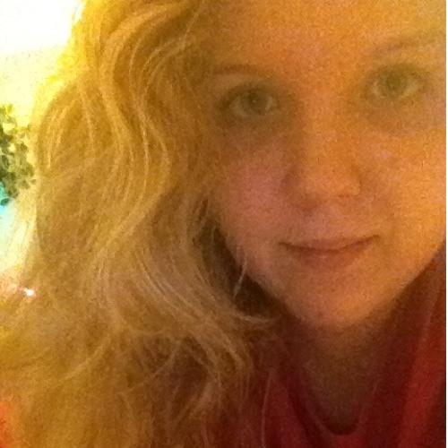 LauraLovely's avatar