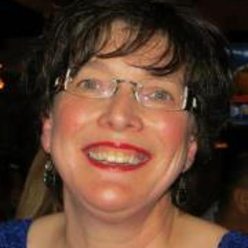 Lynne Hogg's avatar