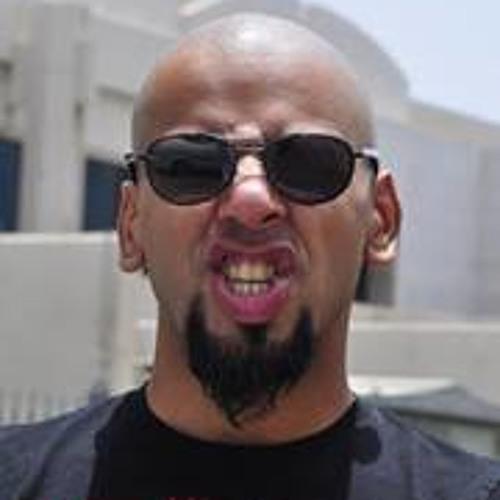 Anas Osama's avatar