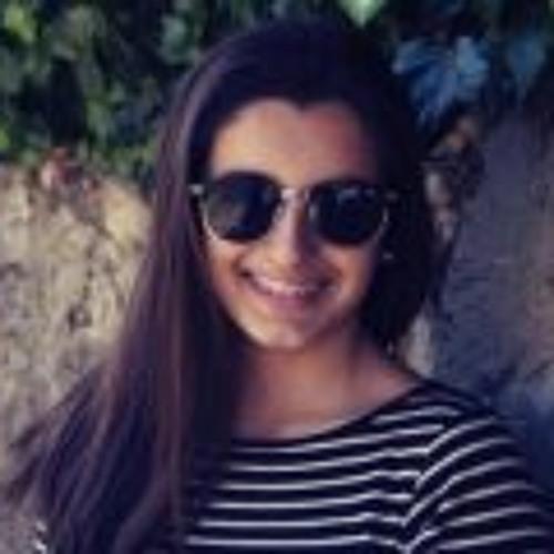 Carolina Nunes 13's avatar