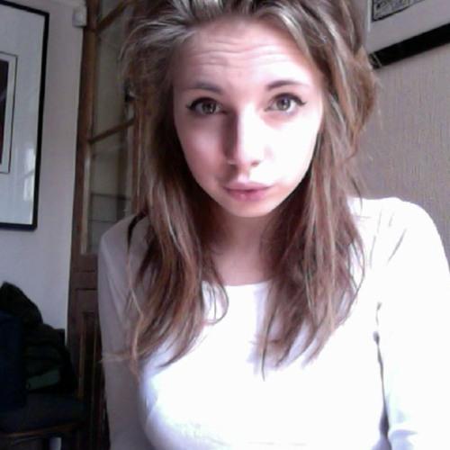 Ella_Madeleine's avatar