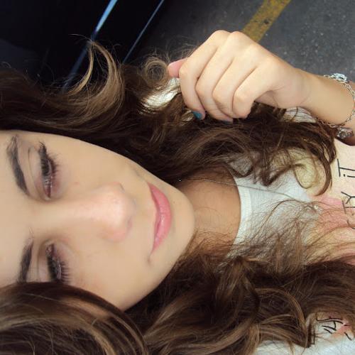 Lorena Parreira's avatar