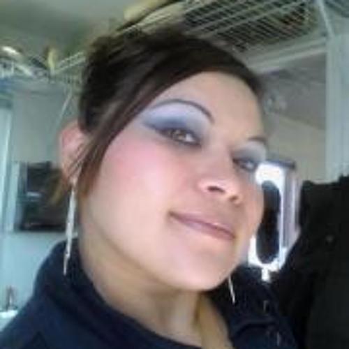 Cinthya Bustos's avatar