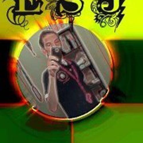 Eric Sanchez Jr's avatar