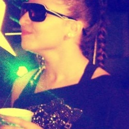 Camila Santos 13's avatar