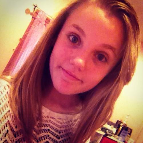 Victoriaa_110's avatar