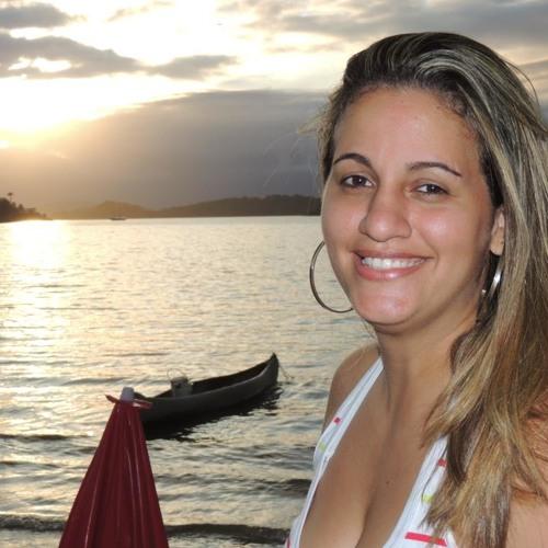 Ravyne Magalhães's avatar