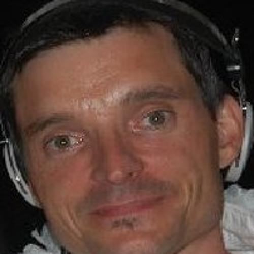Fifi Djfifi's avatar
