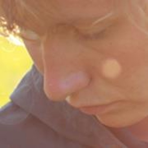 Vicky Do's avatar