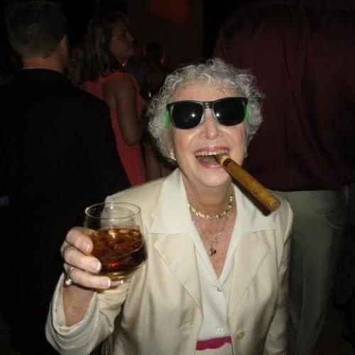 Groovin Grandma's avatar