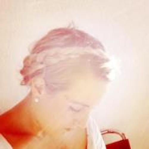 Julia Kündig's avatar