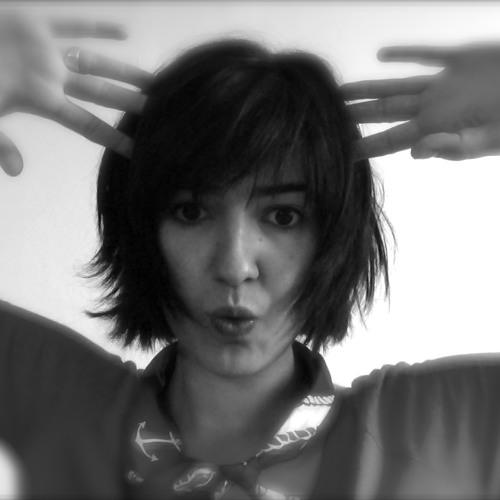 Flavia Mendes's avatar