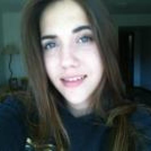 Victória Beltrão's avatar