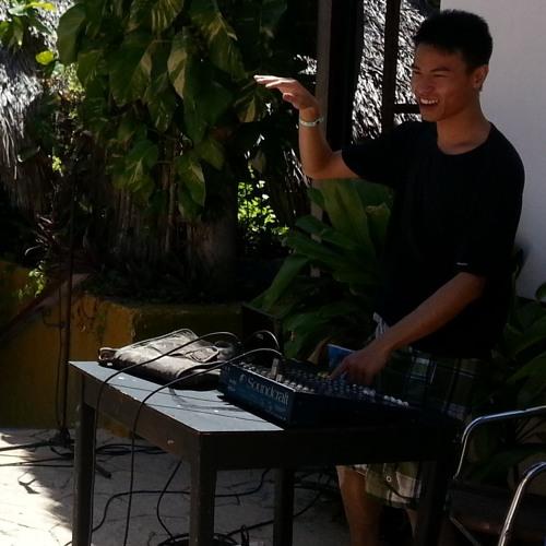 Phu Phillip Trinh's avatar