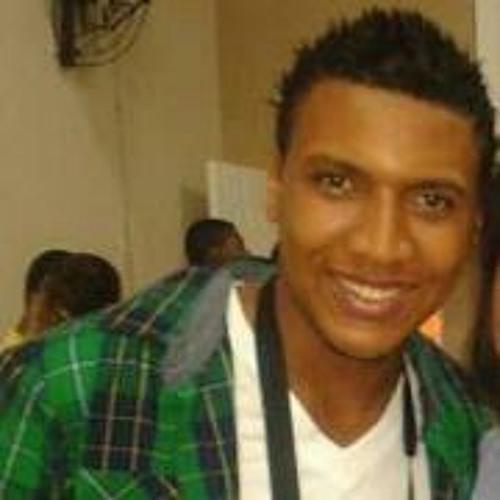 Luiz Almeida 8's avatar