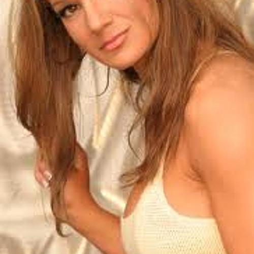 Aileen Stomp's avatar