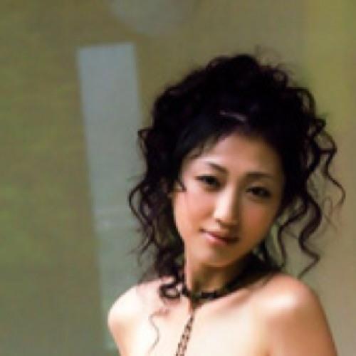 Kyni Muang's avatar