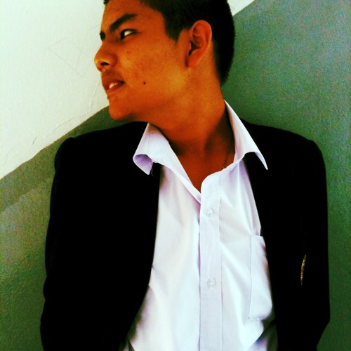 Chayut Opaspimonthum's avatar