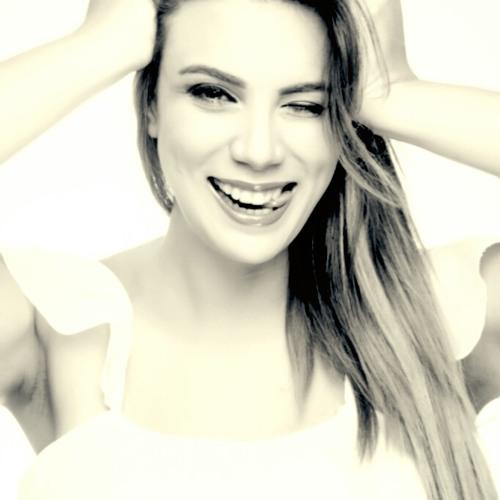 LuisaFernandaLF's avatar