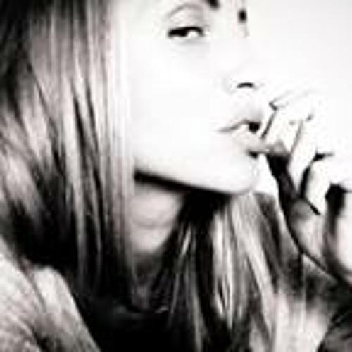 Fabienne Schönmann's avatar