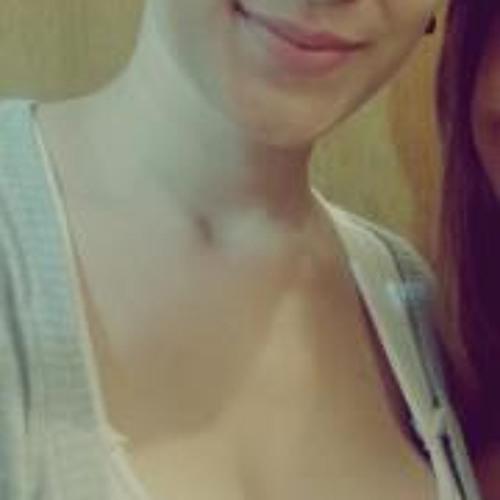 Emily Carvalho 2's avatar