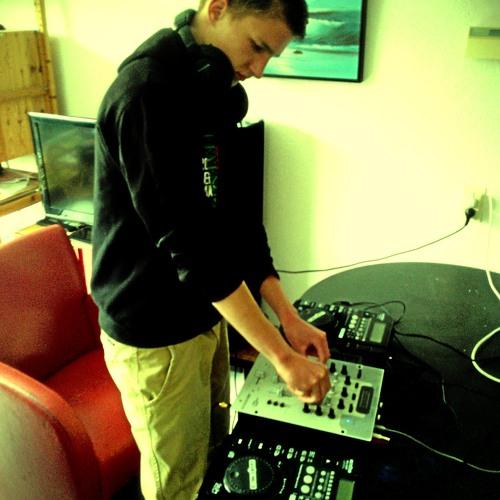 Nathan 010's avatar