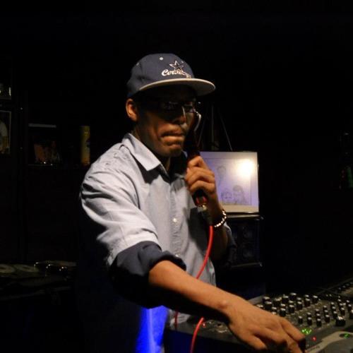 DJ Czezre8's avatar