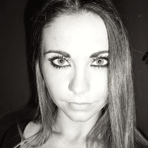 Chloé Lennox's avatar