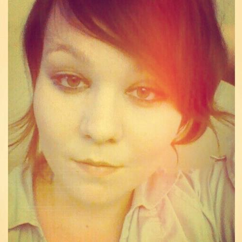 juliakingacoustic's avatar