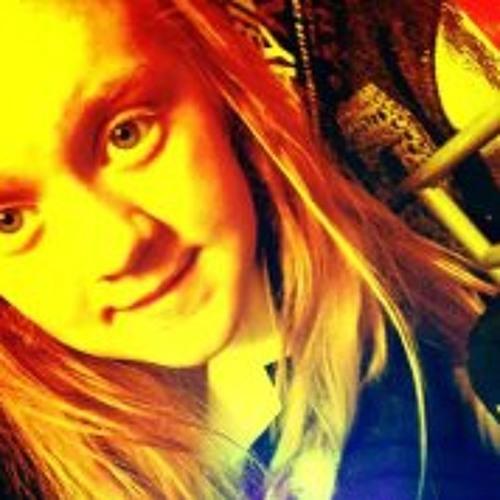 HannahLilley2000's avatar