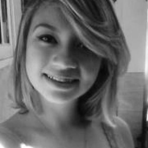 Caroline Carvalho 17's avatar