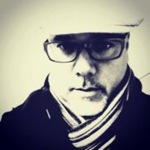 Gustavo E. Perez's avatar