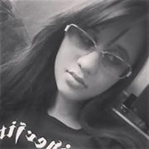 Karine Alexandrini's avatar
