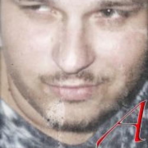 Andrej Drew Hladik's avatar