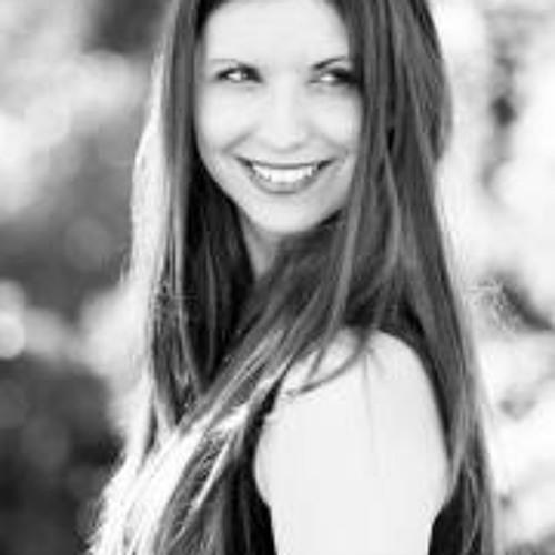 Audrey Carbonel's avatar
