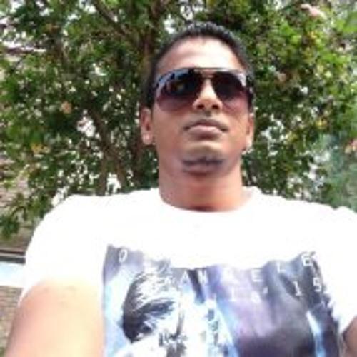 Munish Narayan's avatar